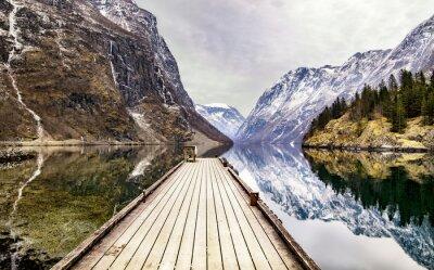 Fototapete Blick von Gudvangen Dorf in Richtung Fjord, Norwegen