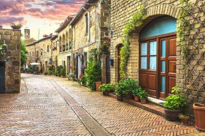 Fototapete Blumen gefüllten Straßen der alten italienischen Stadt in der Toskana.
