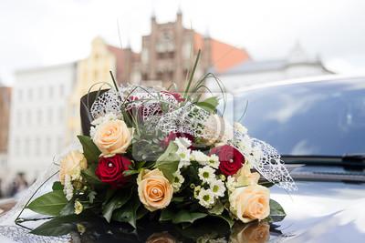Blumen Gesteck Auf Auto Bei Hochzeit Fototapete Fototapeten