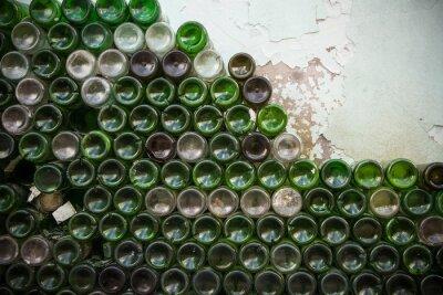 Fototapete Boden der Flaschenstruktur. Glas, schmutzige leere Weinflaschennahaufnahme, Unterseite des grünen Flaschenmusterhintergrundes