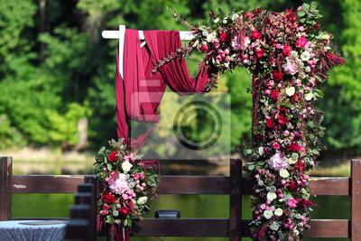 Bogen Fur Die Hochzeitszeremonie Bogen Verziert Mit Schonen