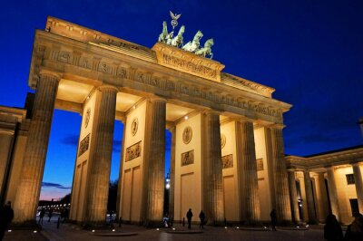 Fototapete Brandenburger Tor bei abendlicher Beleuchtung
