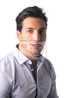 Mann braune augen schwarze haare blaue augen