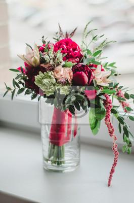 Braut Blumenstrauss Der Hochzeit Blumen Rote Und Beige Pfingstrosen