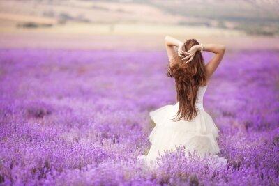 Fototapete Bride in wedding day in lavender field