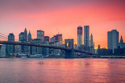 Fototapete Brooklyn-Brücke und Manhattan in der Dämmerung