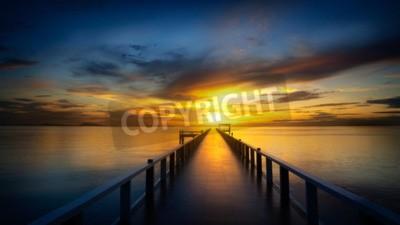 Fototapete Brücke in das Meer bei Sonnenuntergang