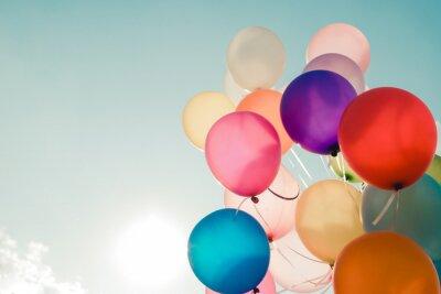 Bunte Luftballons Fliegen Auf Himmel Mit Einem Retro Vintage Filter