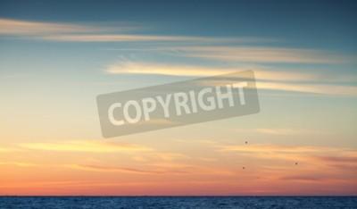 Fototapete Bunte Sonnenuntergang Himmel über Atlantik, natürlichen Hintergrund Foto mit warmen tonalen Korrektur Foto-Filter