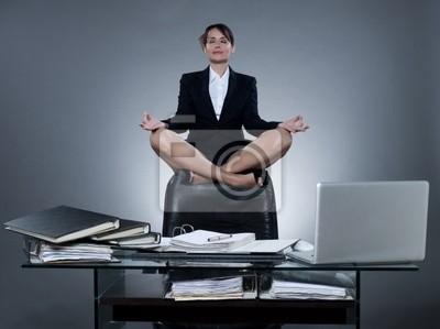 Business-Frau Levitation