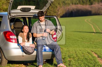 Camping Paar Im Auto Sommer Sonnenuntergang Landschaft Fototapete