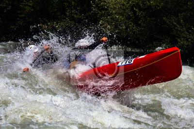 Fototapete canoa sulle rapide di un torrente