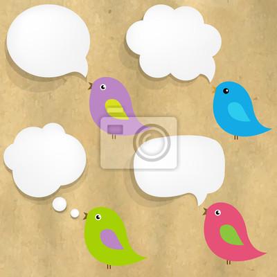 Cardboard Struktur Mit Weißbuch Sprechblase und Vögel