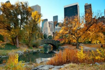 Fototapete Central Park-Herbst und Gebäude in Midtown Manhattan New York City