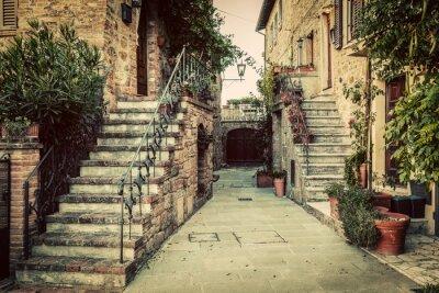 Fototapete Charmante alte mittelalterliche Architektur in einer Stadt in der Toskana, Italien.