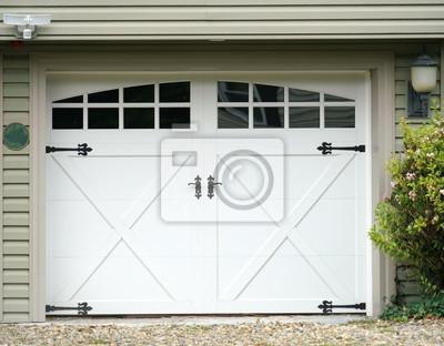 Garagentor  Close up auf fassade blick auf garagentor fototapete • fototapeten ...