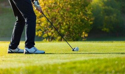 Fototapete Close-up der Mensch Golf spielen auf grünem Kurs