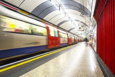 Fototapete Das Rohr auf die Station kommt