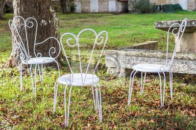 Metall Möbel FototapeteDekorative Vintage Weiße Garten In Stühle Einem TF1lcuKJ3
