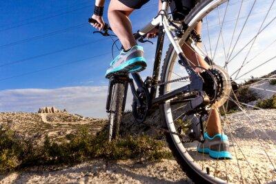 Fototapete Deportes. Bicicleta de montaña y hombre.Deporte en exterior
