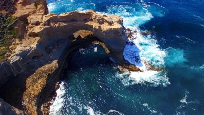 Fototapete Der Bogen. Felsformation entlang Great Ocean Road, Australien. aeri