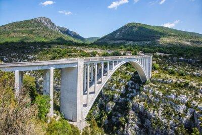 Fototapete Der Pont de Chaulière, aus dem angeordnet Springen