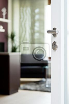Wohnzimmer Tür, detail der weißen tür mit unscharfen wohnzimmer fototapete, Design ideen
