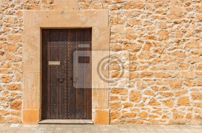 Steinmauer Mediterran detailansicht haus rustikal mediterran mit steinmauer und holztür
