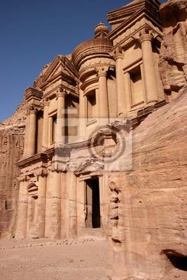 Die Klosterfassade in Petra, ein Unesco-Gelände, in Jordanien