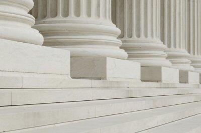 Fototapete Die Reihe der klassischen Säulen mit Stufen