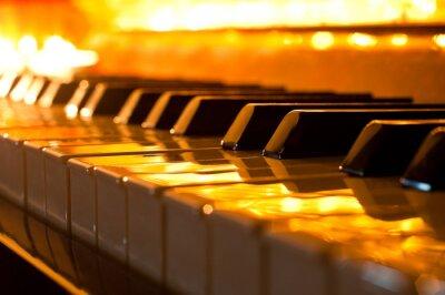 Fototapete Die Tastatur des Klaviers im goldenen Licht