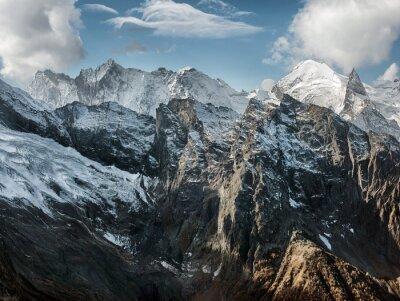 Fototapete Dombai. Landschaft der Rockies in der Kaukasus-Region in Russland
