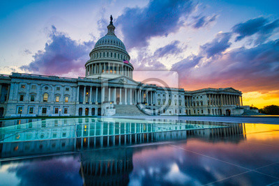Fototapete Dramatic sunset over the US capitol in Washington DC