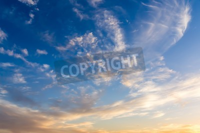 Fototapete Dramatische Himmel mit weißen Wolken