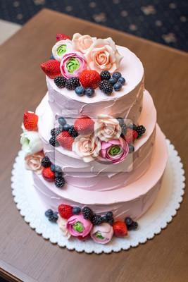Drei Abgestufter Rosa Hochzeitskuchen Verziert Mit Beeren Und