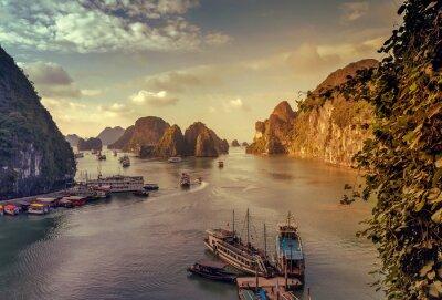 Fototapete Dschunke Ha Long Bay Vietnam.