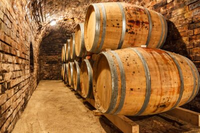 Fototapete Eichenfässern in einem unterirdischen Weinkeller