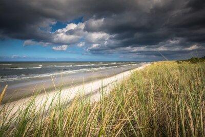 Fototapete Ein Blick auf schönen Sandstrand in Leba Stadt, Ostsee, Polen