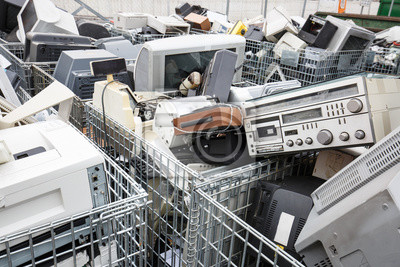 Elektronische geräte dumpsite fototapete • fototapeten Karzinogen ...