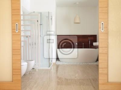 En-suite badezimmer mit freistehender badewanne fototapete ...