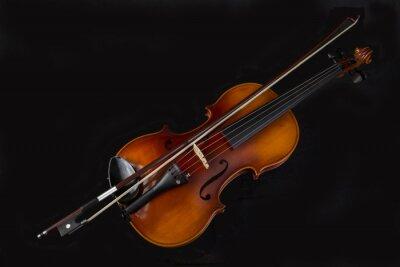 Erhöhte Ansicht Von Violine Und Bogen