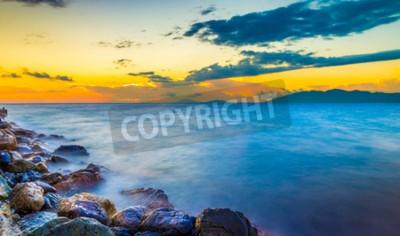 Fototapete Erstaunlicher Sonnenaufgang und seidiges Wasser auf der Insel Kos, Griechenland