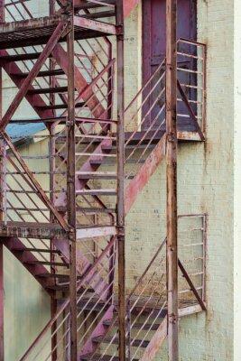Fototapete Externe Feuerleiter Treppe auf Herstellungsgebäude