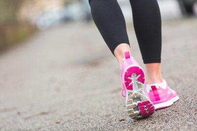 Fototapete Female Runner Schuhe Nahaufnahme auf der Straße, der Stadt-Einstellung.