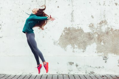 Fototapete Fitness-Sport Mädchen auf der Straße