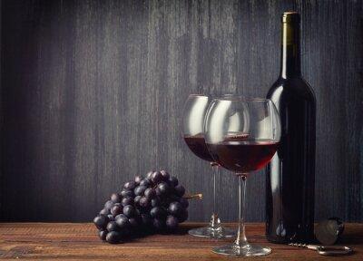Fototapete Flasche und zwei Gläser Rotwein