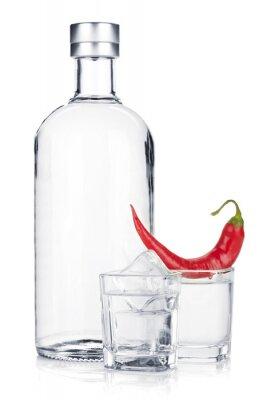 Fototapete Flasche Wodka und erschossen Glas mit Eis und rote Chilischote