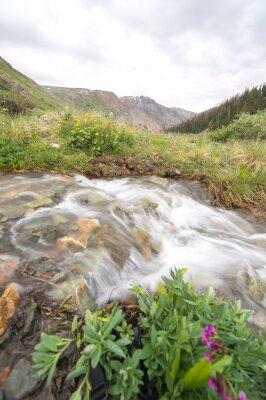 Fototapete Fluss und Berg