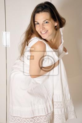 timeless design 19e89 39912 Fototapete: Frau im nachthemd ist albern