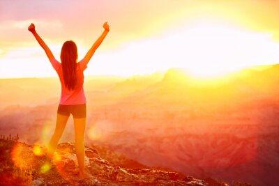 Fototapete Freiheit und Abenteuer - eine Frau glücklich, Grand Canyon